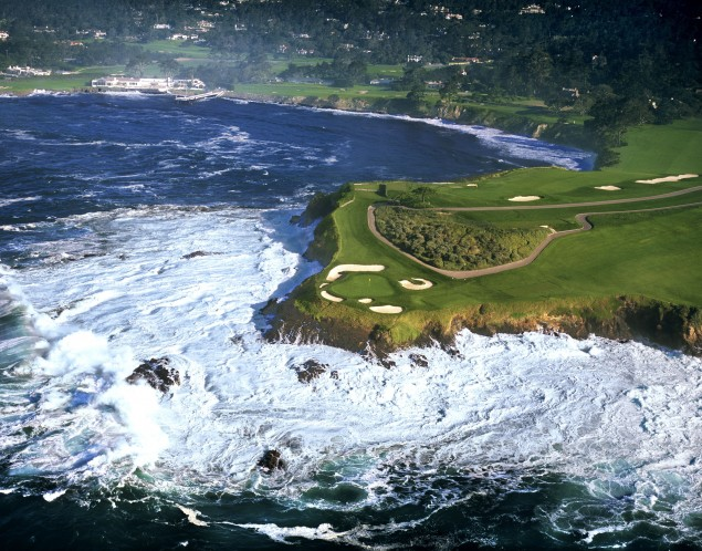 Pebble Beach Monterey, California'da Golf Alanları (http://goo.gl/Vg7Pqz)