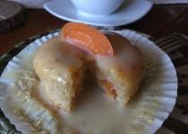 Kayısı, hindistan cevizi ve badem unlu cupcake